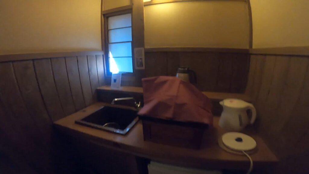 お宿のし湯しおんのお部屋のお茶スペース